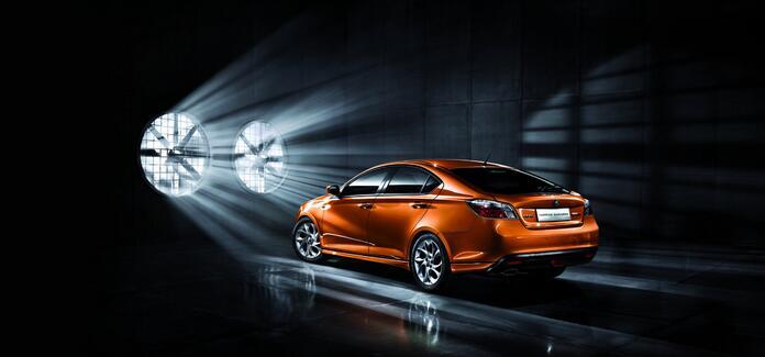 量产版MG CS实车照曝光 预售14万起/2015年上市